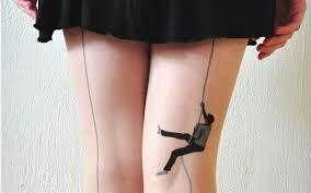 Dövmeli Çorap Modası1