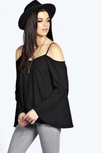 Omzu-açık-askılı-bluz-modeli
