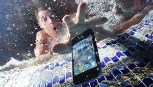 suya-dusen-telefon-nasıl-kurutulur?